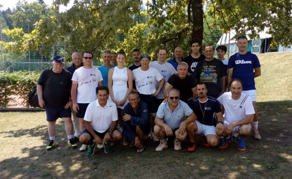 https://www.ctbelluno.it/wp-content/uploads/2021/01/torneo-toni-gruppo-570x350-1.jpg